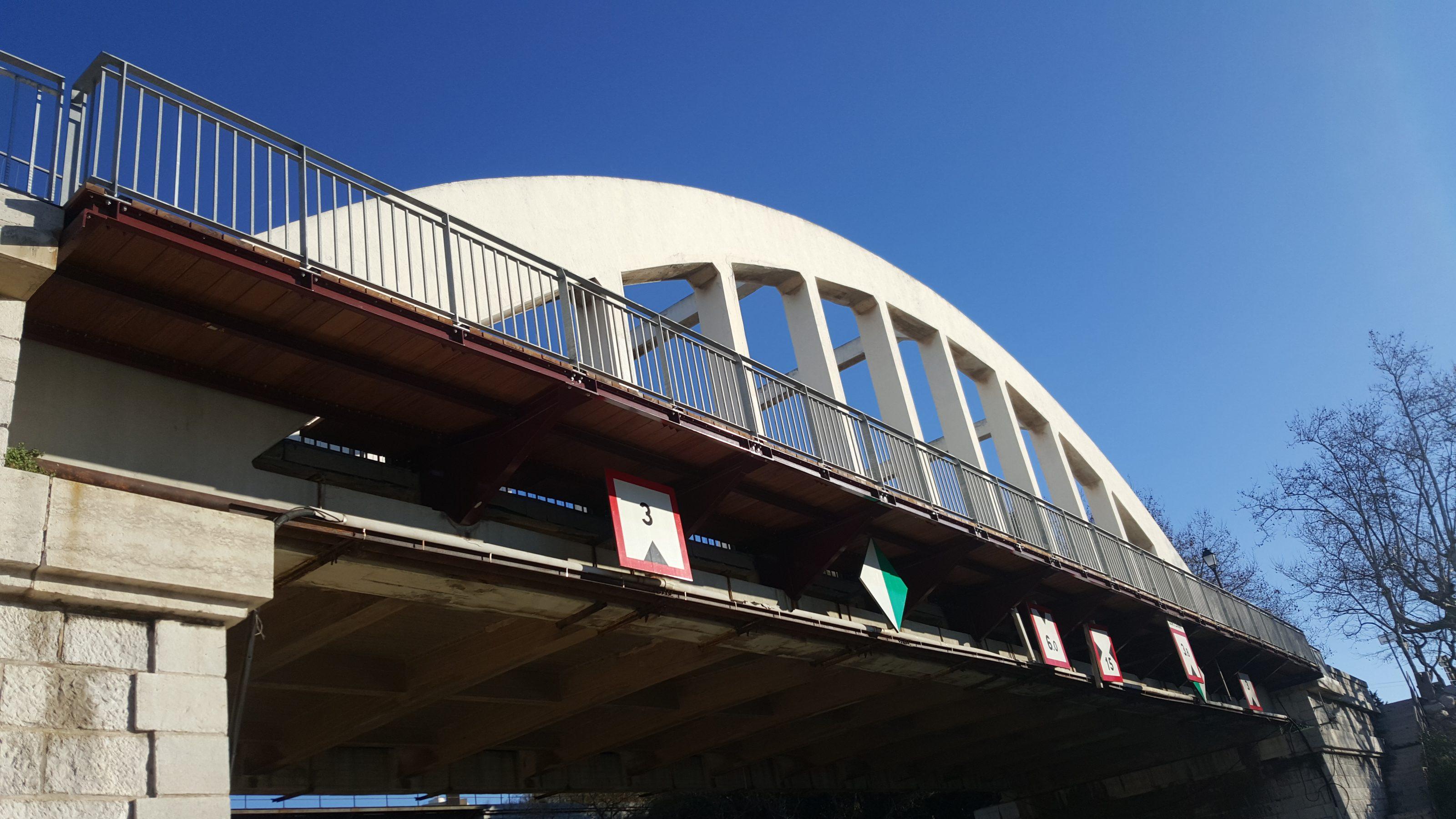 Remplacement passerelle piétonne – Port de Bouc (13)